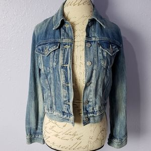 Levi's Classic Denim Jean Jacket Slightly Cropped